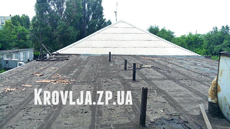 Реконструкция крыши с плоской на скатную